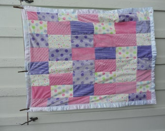 Baby crib size blanket