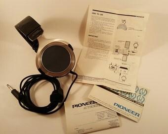Pioneer SE-700 Piezo-Electric Stereo Headphones w/Case and Original Manual