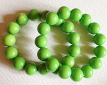 Bracelets  - pair of pea green plastic beads bracelets retro design large pea size!