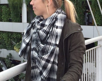 Plaid Blanket Scarf, Black and White Soft Cotton Flannel Wrap, Fringed Oversized Scarf, Black and White Plaid Wrap, Boho Scarf