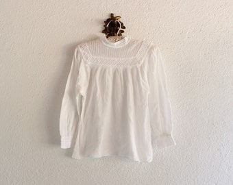 Vintage White Romanian Crochet Gauze Blouse/ Vintage White Crochet Peasant Blouse/ Vintage White Peasant blouse