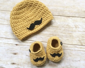 Crochet mustache baby beanie and shoes set / mustache / baby beanie / baby shoes / babygift /