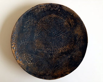Plate - Steingzeug & glaze, pigments (not for food)