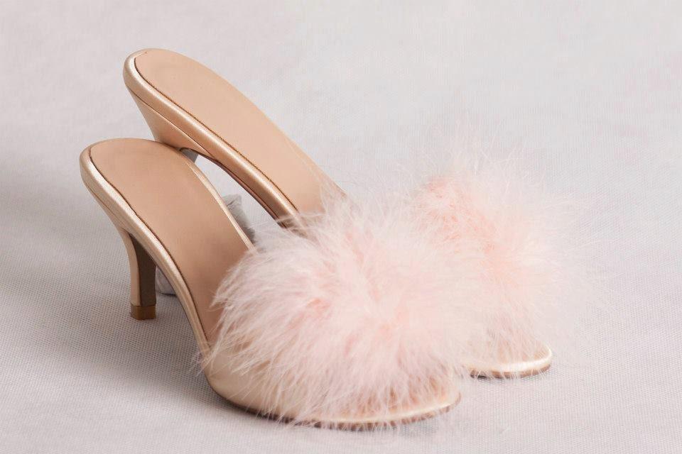 Vintage style kitten heel slippers apricot
