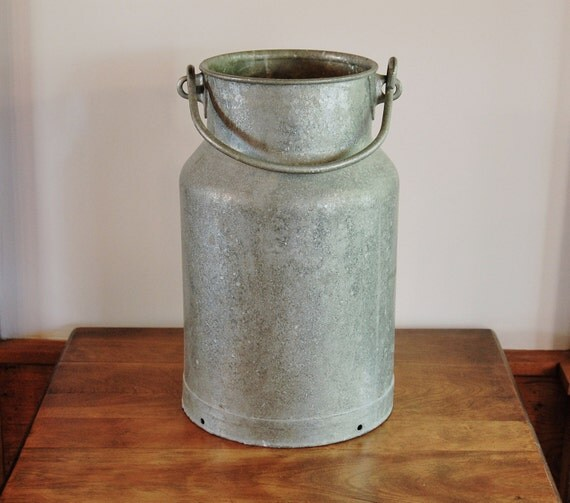 Heavy Galvanized Zinc Milk Can With Handle 16 Inch Tall