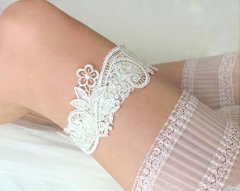 "Ivory Lace Wedding Garter, Bridal Garter, Ivory Garter Belt, White Garter, Simple Garter  - ""Delia"""