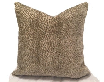 Nakuru Linen Velvet in Pewter - One Pillow