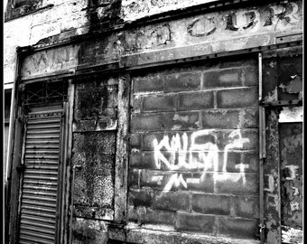 urban decay (glasgow) fine art Glicee print.