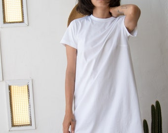 White T shirt dress // Casual mini dress // Day dress In Mod style