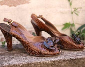 Vintage 1940's Aligator skin Peeptoe Heels size 7.5