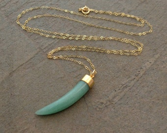 Gold and Green Aventurine Tusk Necklace - Green Horn Necklace - Aventurine Necklace