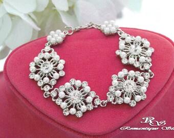 Pearl bracelet, Bridal bracelet, Pearl wedding bracelet, Vintage style, Bridesmaid bracelet, Crystal pearl bracelet, Bridal jewelry B0161
