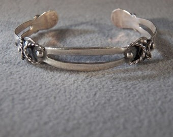 Vintage Sterling Silver Fancy Scrolled Raised Relief Cuff Bangle Bracelet  **RL