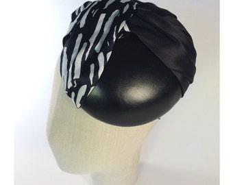 BLACK&WHITE mini hat