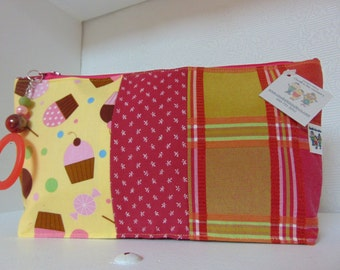 make-up bag, pencils or other (recycled fabrics)