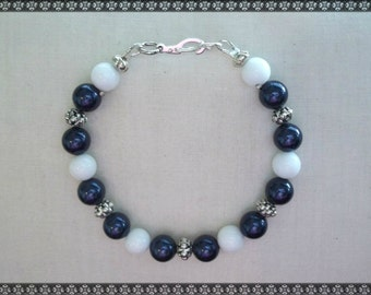 blue bracelet, white bracelet, dark blue, Swarovski bracelet, swarovski, blue and white