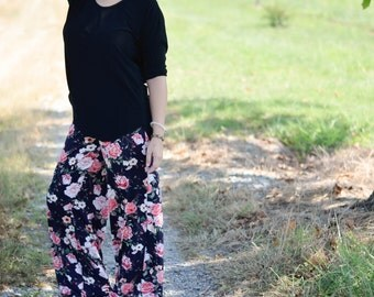 Floral palazzos, floral pants, palazzo pants, gaucho pants, floral flowy pants, plus size palazzo pants, ethical fashion, fall style