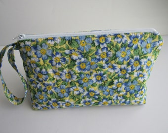 Large Cosmetic Bag, Makeup Bag,  Bridesmaid gifts, travel pouch, quilted & stabilized, Blue Flowers