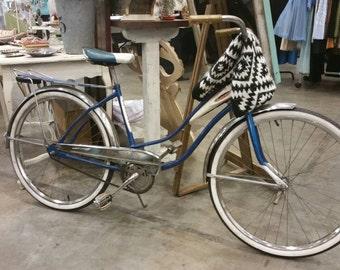 RETRO ROLLFAST BICYCLE