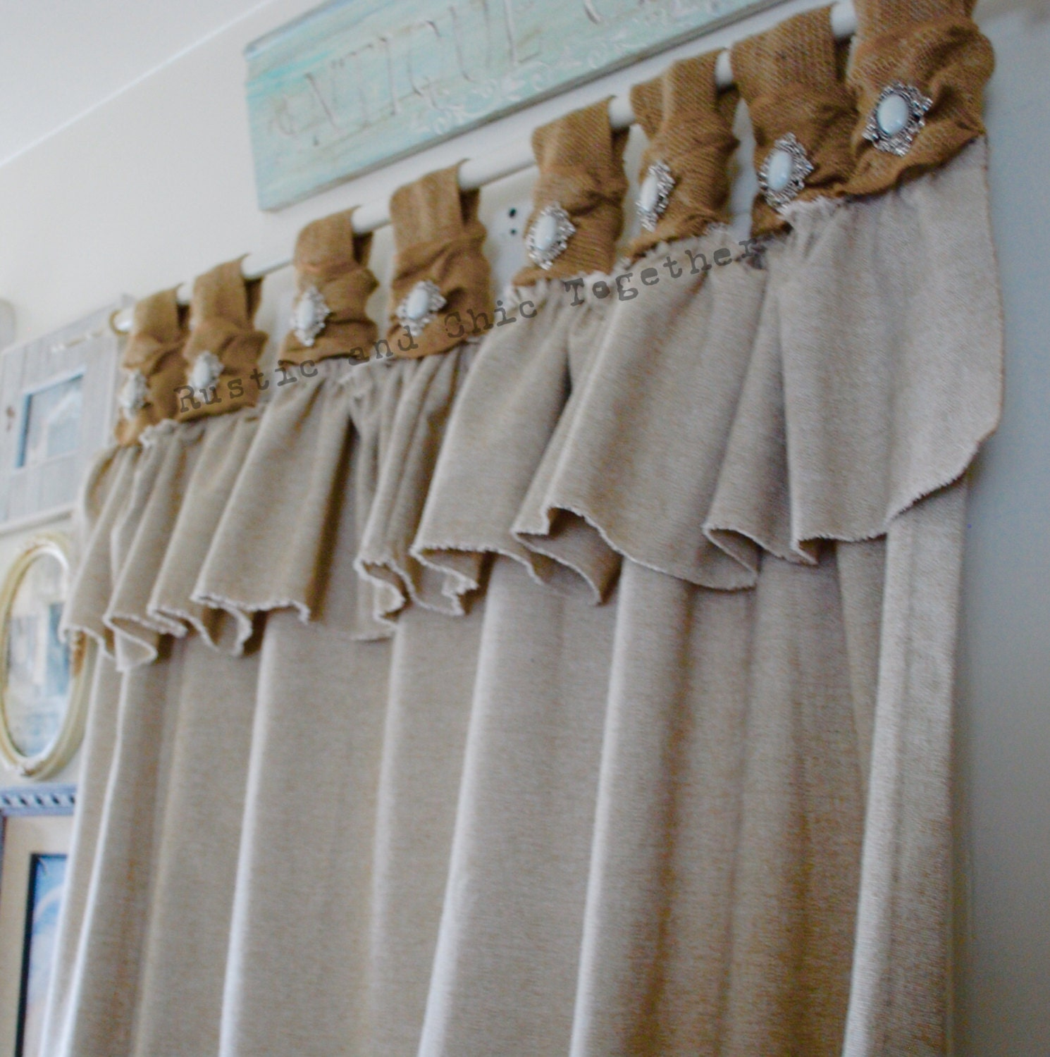 Linen Jewellery: Burlap And Linen Curtains With Jewelry Accent