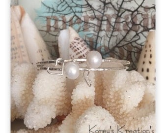 Sterling silver & white freshwater pearl bangle