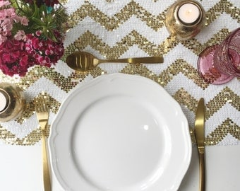 Sparkly Gold Chevron Sequin Table Runner, Sequin Tablecloth, Sequin Linen, Sequin  Gold Chevron