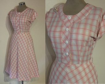 "Adorable 1950s cotton windowpane check day dress waist 29"" Lucy dress"