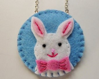 Easter Bunny Necklace, Easter Bunny Pendant, Felt Bunny Pendant, Felt Rabbit Pendant, Easter Jewelry, Easter Basket Gift, Spring Jewelry