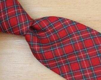 Red Plaid Pattern Mens Neck Tie - GAP Vintage Wool Blend Necktie