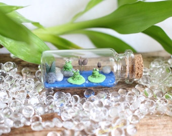 Miniature frog bottle pond glass bottle homedecoration mini gift