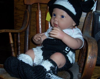 Knit Baby Cow Diaper cover, Hat and Hooves or Leggings. Costume Photo Prop