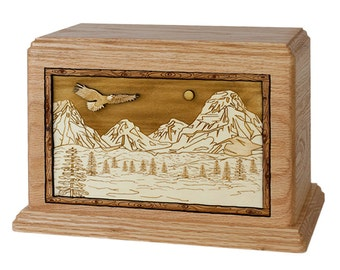 Mountain Splendor Hampton Wood Cremation Urn