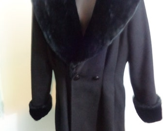 Vintage Black Coat La Renaissance jacket made in canada Beautiful faux fur colar with cuffs Elegant Jacket 80% Wool Size Small