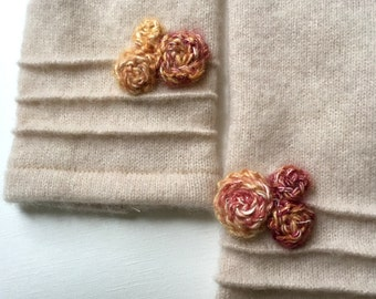 cashmere fingerless gloves / wrist warmers in heather vanilla with decorative flowers