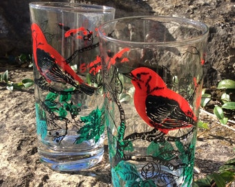 SALE...Vintage Pair of Red Bird Glass Tumblers, 1950s Drinking Glasses, Scarlet Tanager, Cottage/Lakehouse Decor, French Country Decor