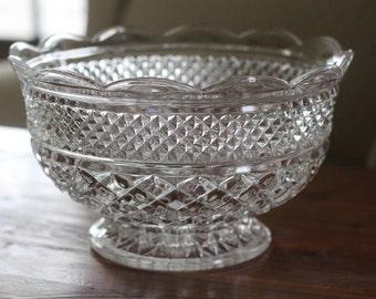 Wexford Bowl, Vintage Clear Glass Serving Bowl, Anchor Hocking, Diamond Pattern, Bridal Shower, Wedding Serving Bowl