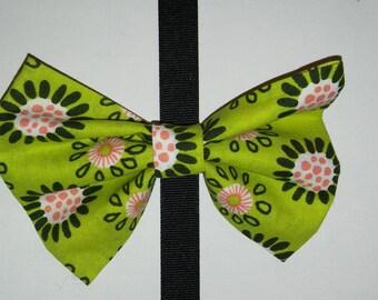 Green Flower hair bow