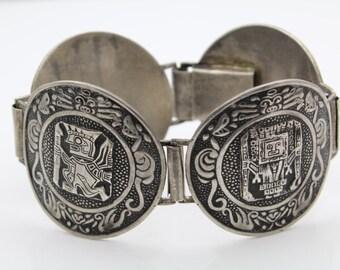 Vintage Peruvian Gods Medallions Bracelet in Sterling Silver. [8139]