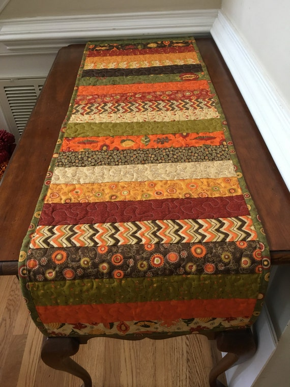 Fall quilted table runner, Autumn quilted table runner