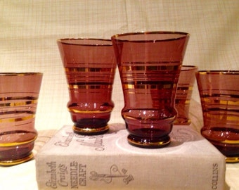 Set of 5 retro drinking glasees