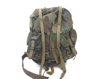 Vintage Army Hiking Pack