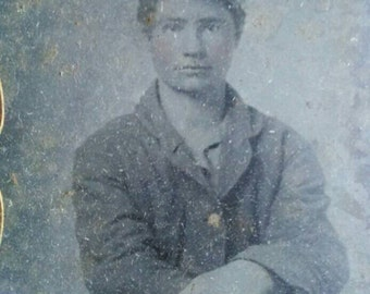 9th plate ambrotype of Identified Ohio soldier with note and other identifying marks
