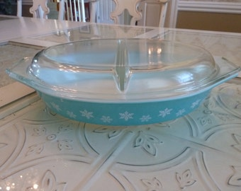 Vintage Retro Pyrex Snowflake Blue Divided Dish