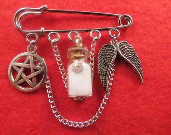Supernatural protection kilt pin brooch (50mm).