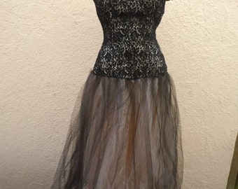 """Beautiful Lacey 1950s-60s Gown  -- Bust: 35-36"""" (LOT 1)"""
