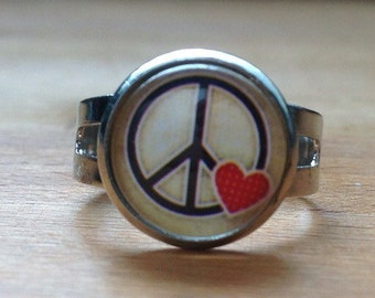Round peace & love ring