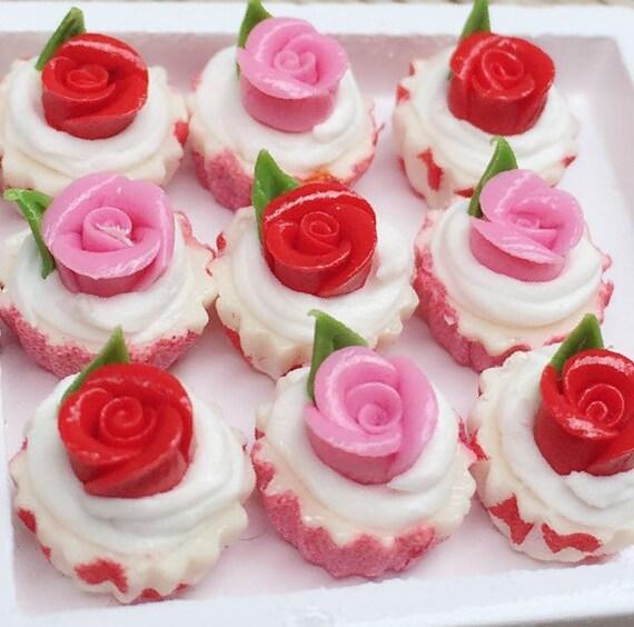 10 pcs.Miniature Pink Rose Cupcake,Miniature Red Rose cake,Miniature cupcakes,miniature sweet,miniature bakery,Dolls house,Dollhouse food