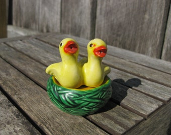 Vintage Birds in Nest Salt and Pepper Shakers Made in Japan