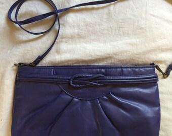 Vintage 80's GITANO purple vinyl crossbody purse with removable strap and three inner pockets
