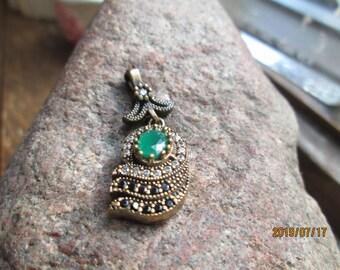 Vintage Deco 1.18ctw Emerald, White Sapphire & Black Onyx Sterling Silver Pendant, Wt. 4.2 Grams, Hallmarked 925